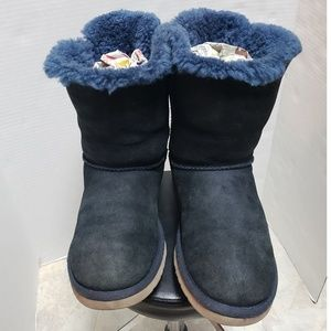 UGG NAVY BLUE BAILEY BOW 2 BOOTS SZ. 8